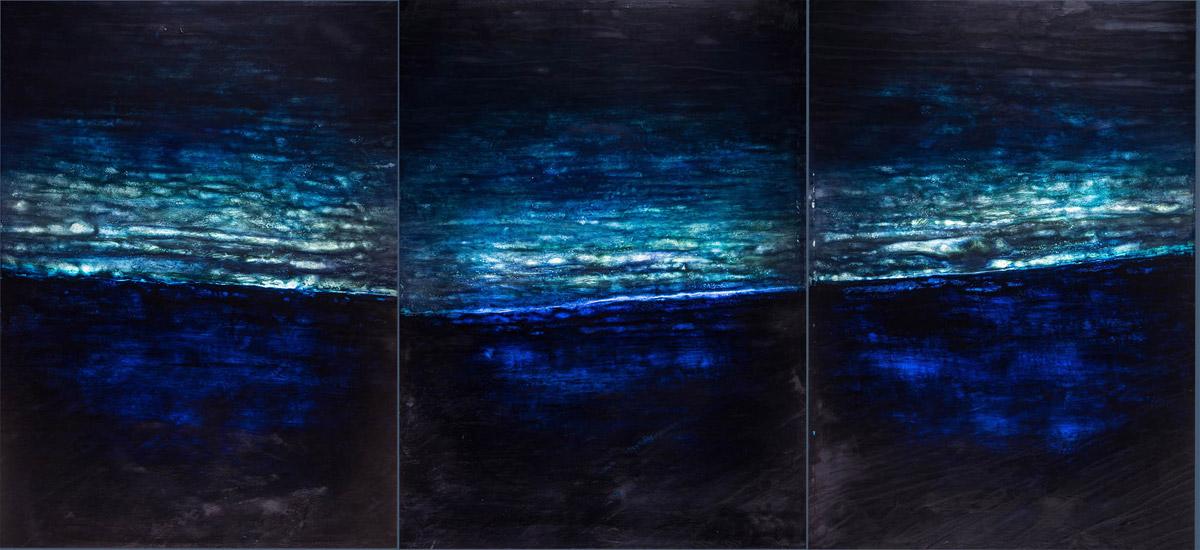 n°4, 2015, Papier japon, cire, pigments, plexi, retro-éclairé, triptyque, 104 x 408 cm