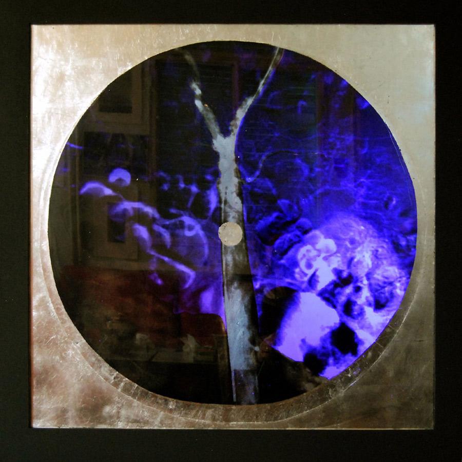 Pièce n°3, imagerie médicale et or, rétro-éclairée 85 x 85 cm, 2012