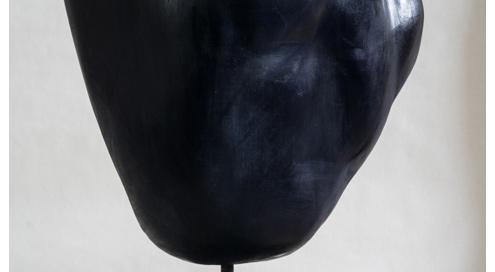 PIERRE DE NUIT Acheiropoïete n°1, technique : pierre, silice, cire, H : 47 cm